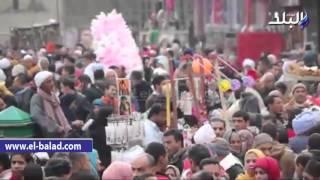 بالفيديو والصور.. تزاحم شديد أمام مسجد الحسين للاحتفال بالمولد