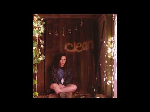 Soccer Mommy - Blossom (Wasting All My Time)