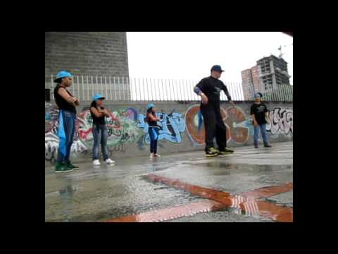 F H CREW BAILANDO HEAR ME COMING DE YOUNG JOC