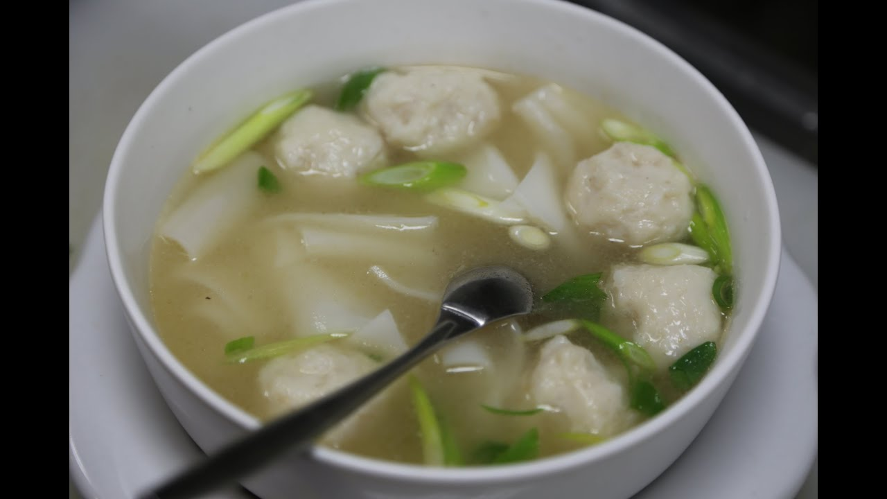 Fish ball soup with rice noodles youtube for Rice noodle fish