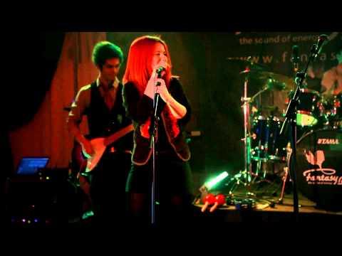 Brigitta & Fantasy Band - Please don't stop the music (Rihanna cover)