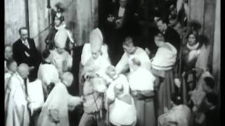 Pope Pius XII seals Holy Door until 1975