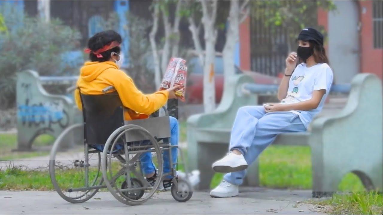 Me rechaza por ser discapacitado hasta que ve que soy millonario