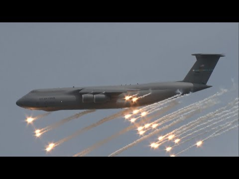 2017 Dover AFB Open House & Airshow - C-5M Super Galaxy Demonstration