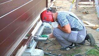 видео Кованые ворота откатные с электроприводом