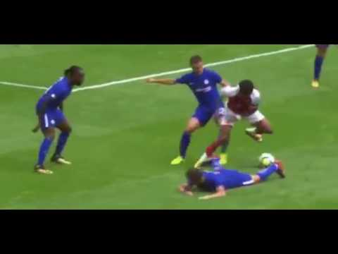 Alex Iwobi destroys Cesc Fabregas - Arsenal vs Chelsea - Community Shield