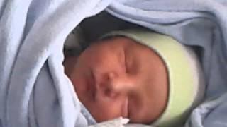 Video Uykusunda gülen bebek download MP3, 3GP, MP4, WEBM, AVI, FLV Desember 2017