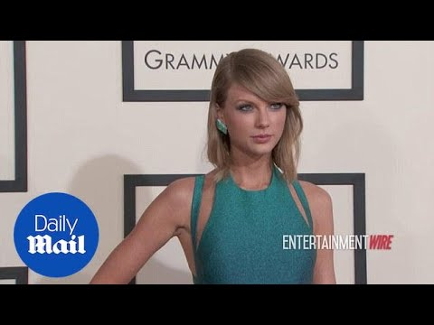 Taylor Swift wears iridescent turquoise dress to 2015 Grammys - Daily Mail