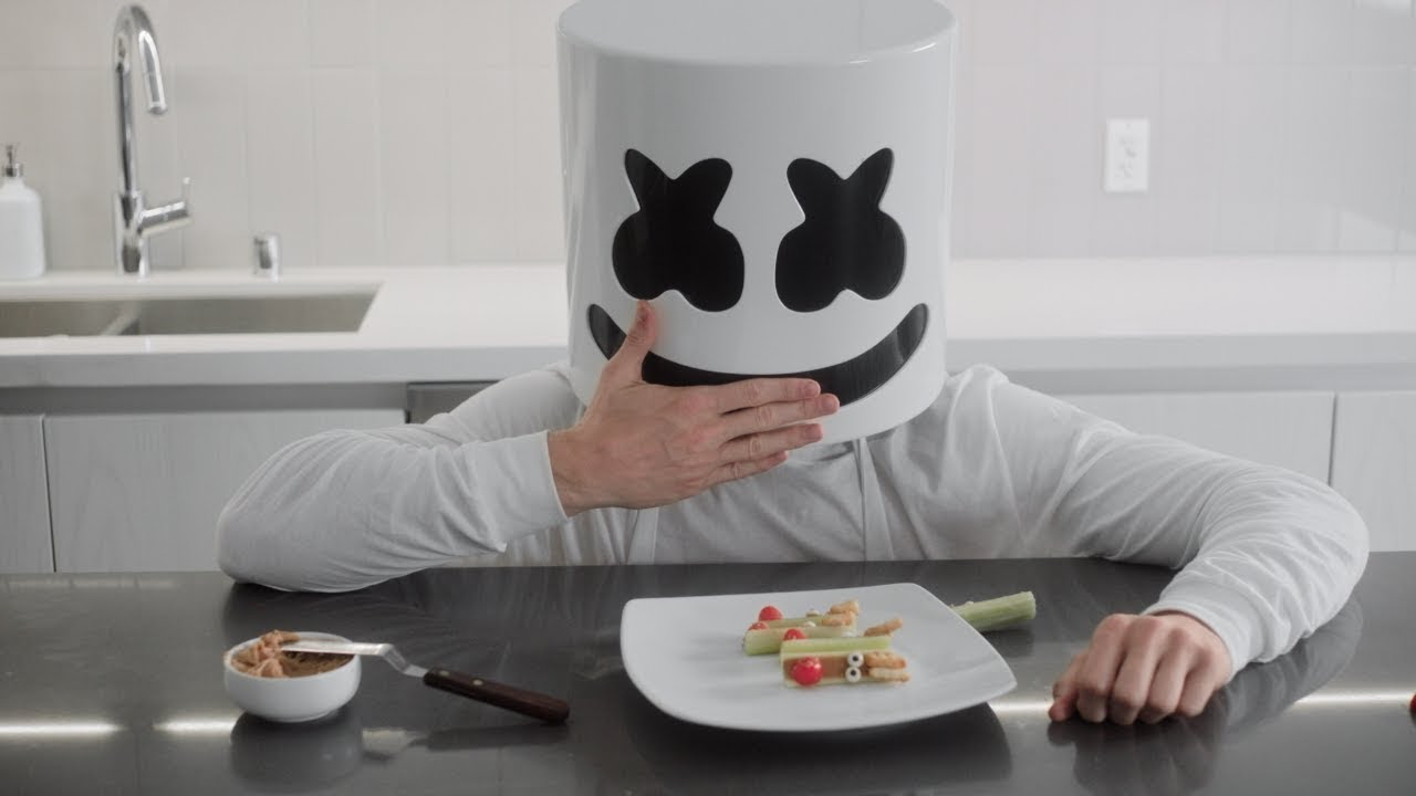 cooking-with-marshmello-reindeer-celery-sticks