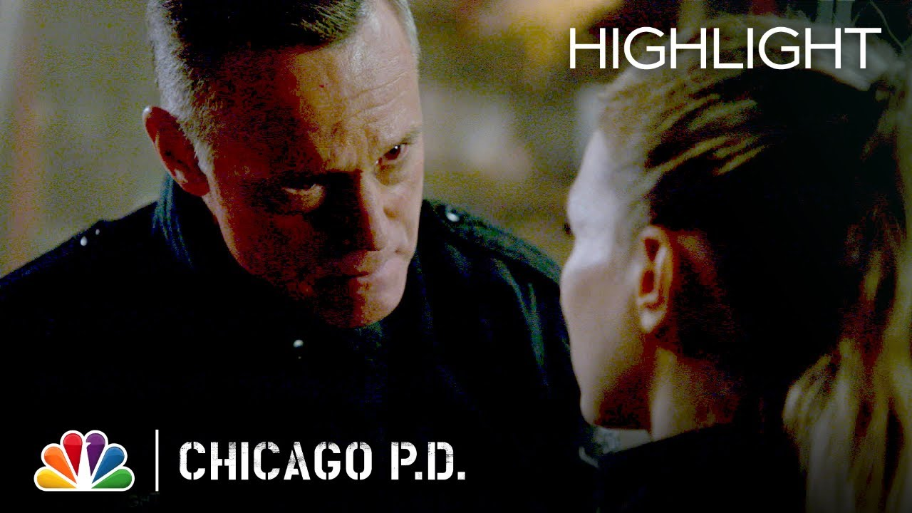 Upton Has to Hold Voight Back - Chicago PD