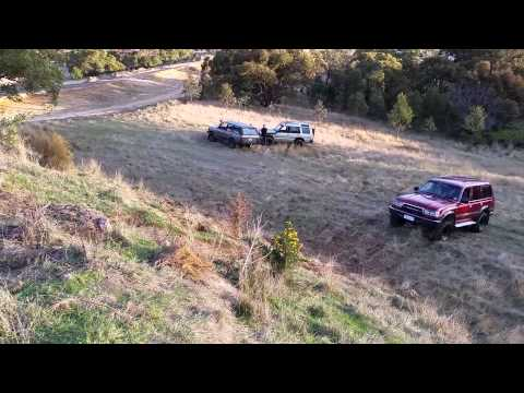 The proving grounds 93 Landcruiser 80 Series vs 93 Range Rover Vouge