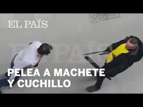 Pelea con un machete y un cuchillo en el barrio del Raval de Barcelona