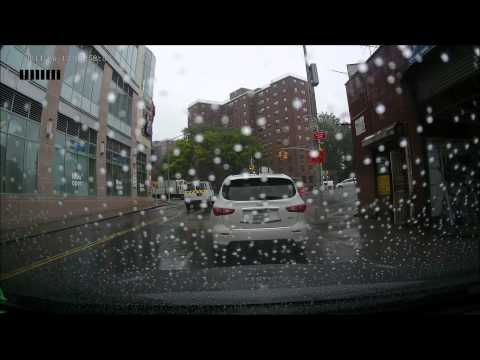 Crosstour Bosch Icon Wipers & Rain-X Replaced my 6 month old Honda Crosstour OEM Blades with Bosch Icon wiper blades. This video is my first impression, followed by a drive in the rain on the ...