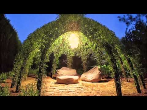 Bonnie Gale - Living Willow Structures