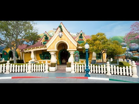 CREEPY OLD CRYPT #9: These Bars Are Rubber (Mickey's Toontown)