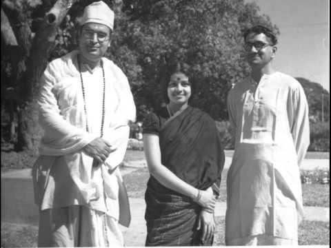 M S Subbulakshmi - Vande Maataram - Ragamalika (Duet with Dilip Kumar Roy)