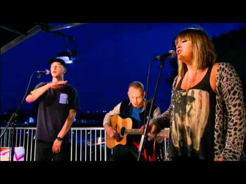 Devlin performs accoustic version of Brainwasherd on BBC Three @Reading Festival 2011