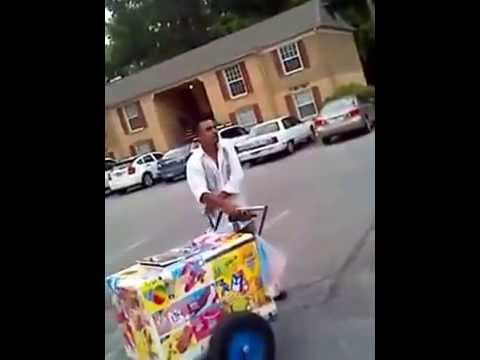 Black Girls Attack Ice Cream Vendor Paletero Youtube