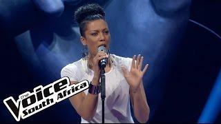 Tracey-Lee sings