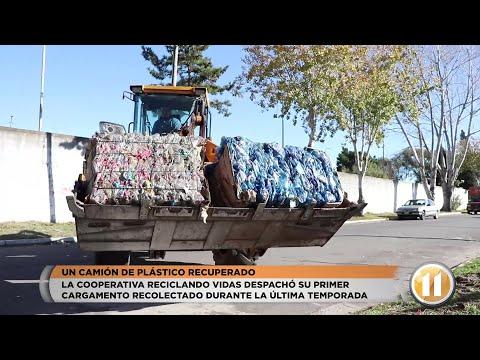 Un camión de plástico recuperado