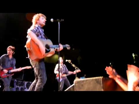 "Dierks Bentley in Kansas City, MO ""Lot of Leavin' Left To Do"" 10/29/2010"