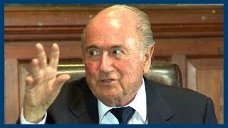 Sepp Blatter Impersonates Ronaldo at Oxford Union