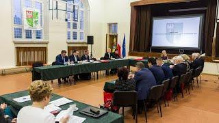 Sesja rady powiatu ostrowskiego (20.12.2018)