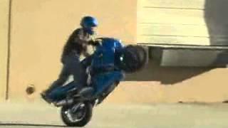 Blázni na motorkách