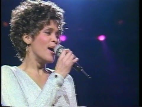 Whitney Houston - I Wanna Dance With Somebody (Live In Japan 1990)