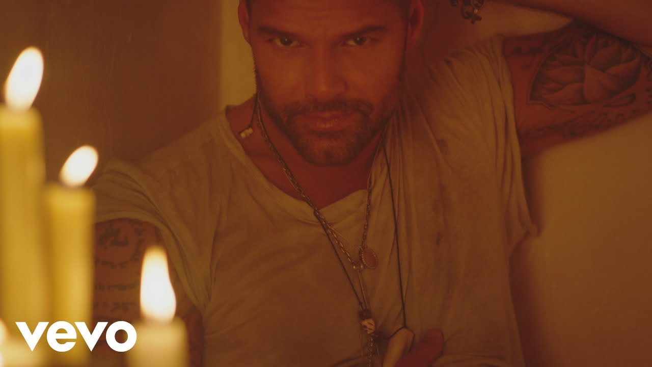 Ricky Martin Fiebre Official Video Ft Wisin Yandel Youtube