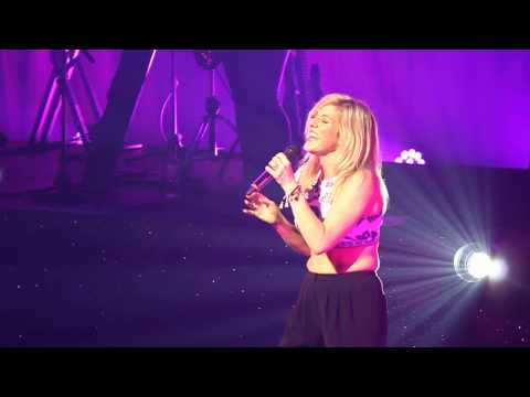 Goodness Gracious LIVE - Ellie Goulding LIVE in SINGAPORE HQ