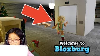 ELEVATOR IN MY HOUSE! 😱 BLOXBURG | HOUSE TOUR | ROBLOX | FAMBAM GAMING