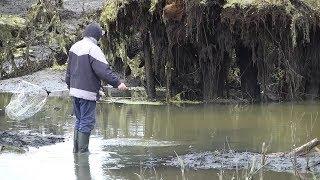 В Мордовии жители села Сузгарье спустили пруд