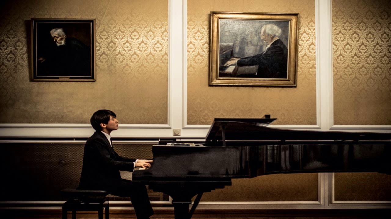 Seong-Jin Cho - Liszt : Liebestraum (리스트-사랑의 꿈)