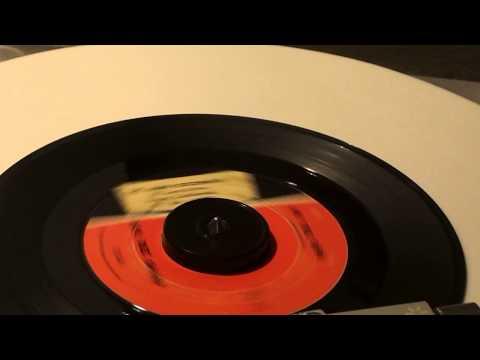 DO THE BIRD  DEE DEE SHARP OLD 45  RECORD
