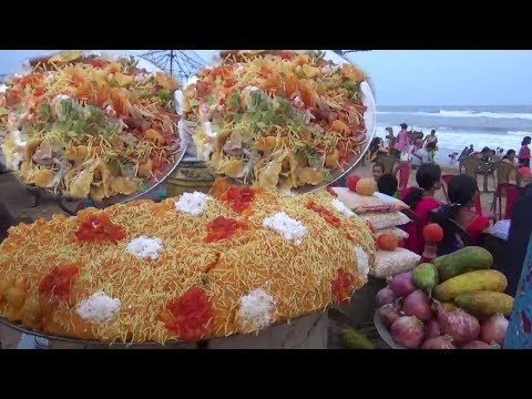 Most Favorite Indian Street Food | See How Indian People Are Eating Chaat At Sea Beach