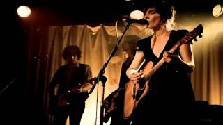 Jen Cloher & The Endless Sea - Time Among The Pines