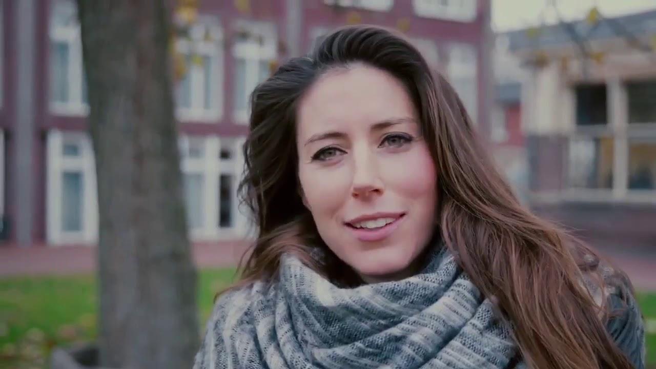 Download Sinterklaas in verzorgingstehuis (Dear World) - Iris Hond Foundation