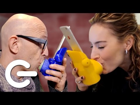"The Kissing App ""Kissenger"" - The Gadget Show"