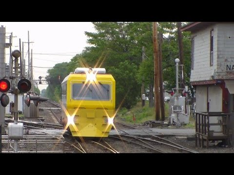 LIRR: Tuesday Summer Morning Rush Hour at Mineola Featuring TC82 & NYAR RS40