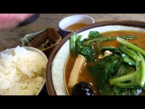 沖縄の定番人気料理 味噌汁 レシピ Okinawa Vlog 食べ歩き