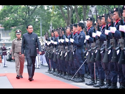 นายกรัฐมนตรี ตรวจเยี่ยมสำนักงานตำรวจแห่งชาติ