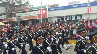 Desfile en EN PIURA COLEGIO PEDRO RUIZ GALLO.
