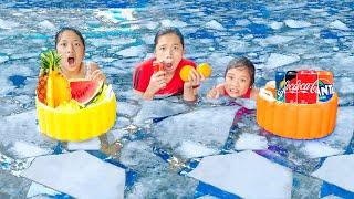 Bữa Tiệc Bể Bơi Siêu Khổng Lồ ❤ Bể Bơi Hoa Quả - Trang Vlog