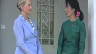 Aung San Suu Kyi and Hillary Clinton talks to media after meeting