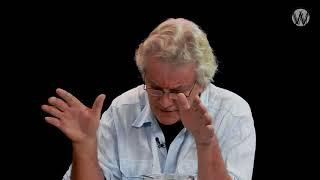 De gevaarlijke onzin van de massamedia; Stan van Houcke en Cees Hamelink