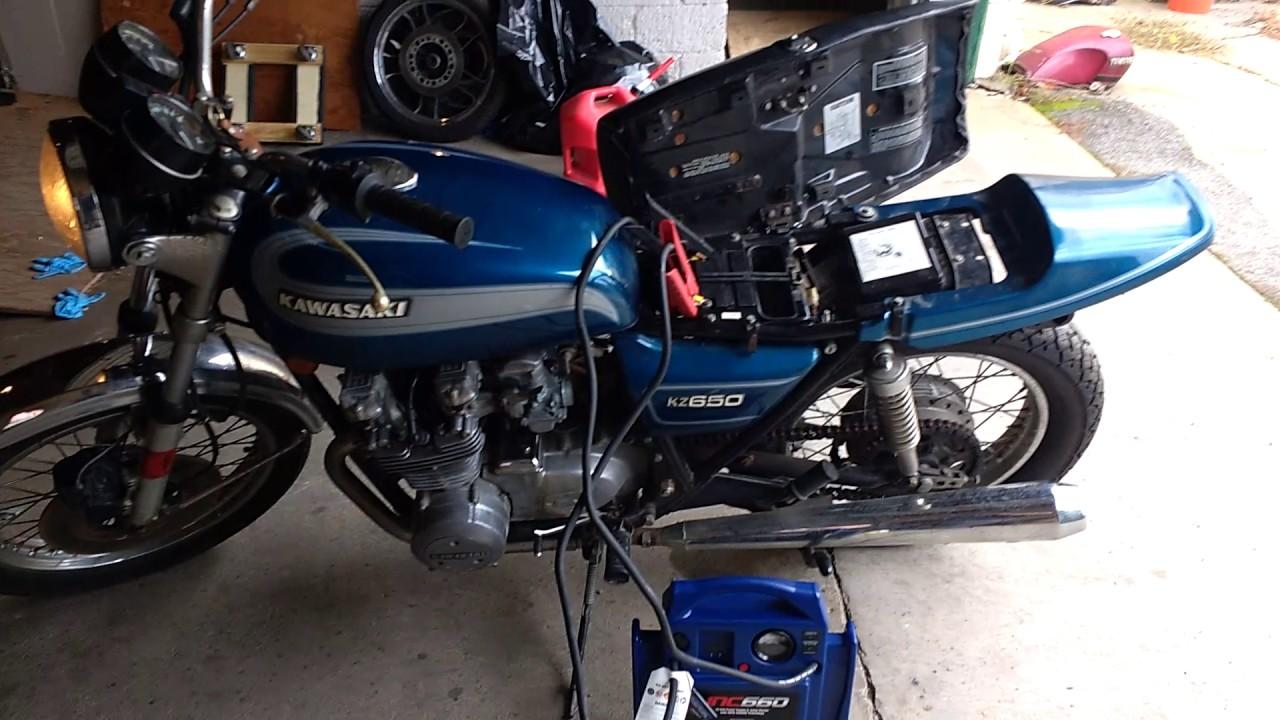 Walkaround and startup of 1977 Kawasaki KZ650 - YouTube