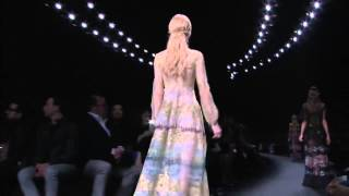 Коллекция одежды Valentino осень-зима 2015⁄2016. Полное видео показа(Коллекция одежды Valentino осень-зима 2015⁄2016. Полное видео показа Наш сайт: http://www.worlds-fashion.com Мы в ВКонтакте: http://vk...., 2015-04-09T18:53:18.000Z)