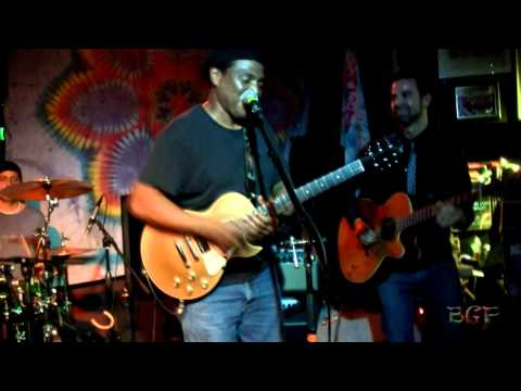 Magic Gravy with Ray White - 2012-11-15 - Quixote's True Blue