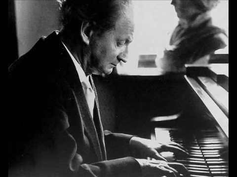 Kempff plays Schumann Waldszenen, op.82 (I)
